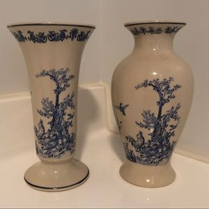 Other - Country Chic Beautiful Flower/bud vases Cream/Blue